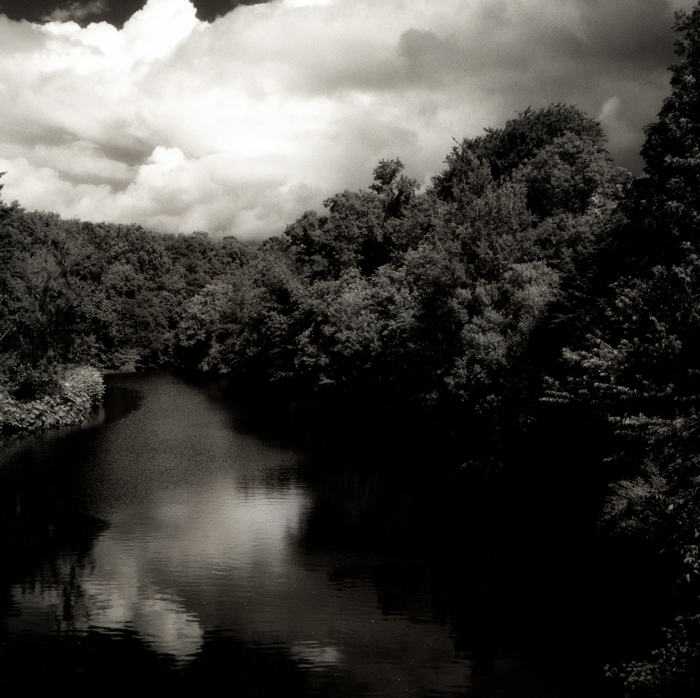 dark-river-x700